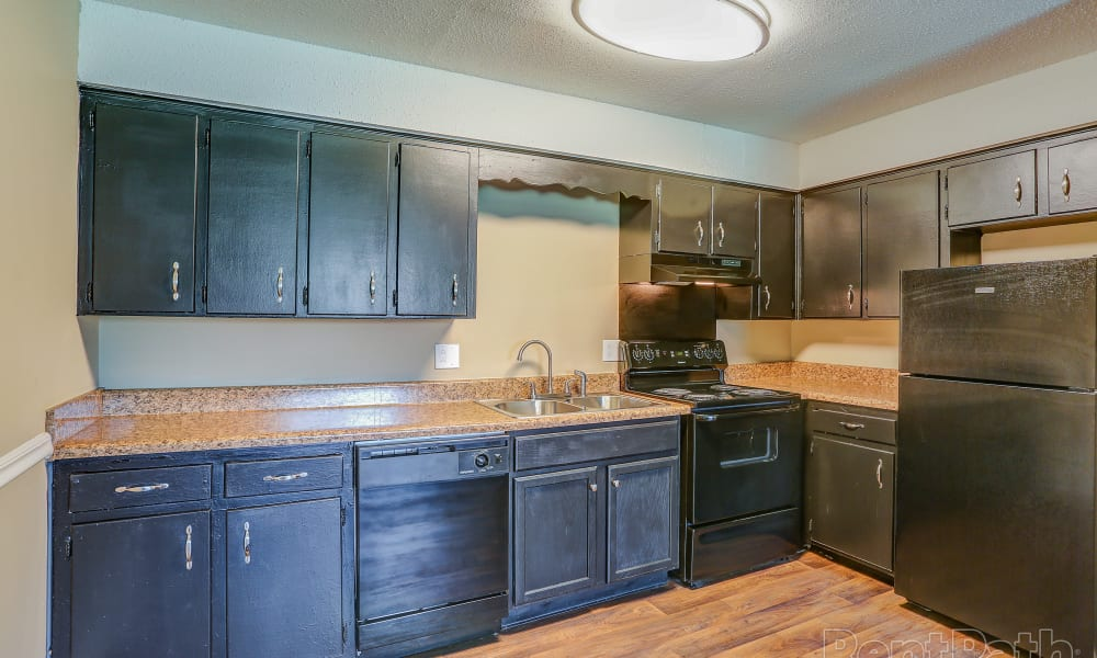 Large kitchen at Parkview Flats in Murfreesboro, TN