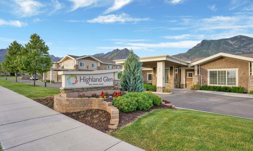 Sign in front of building at Highland Glen in Highland, Utah