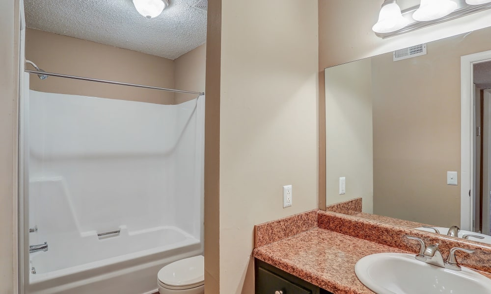 Apartments with spacious bathrooms at Parkview Flats