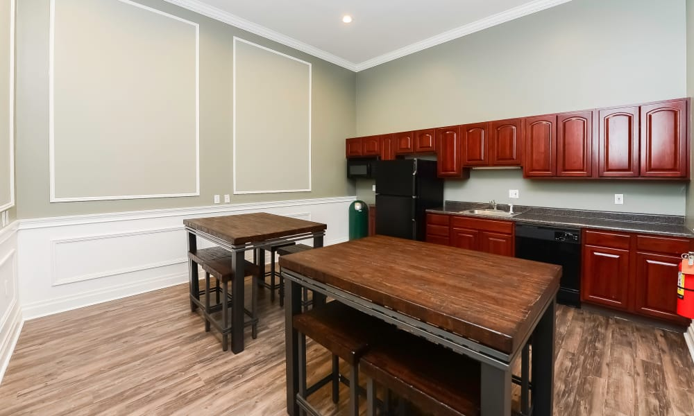 Luxury dining area at Parkview at Collingswood Apartment Homes in Collingswood, New Jersey