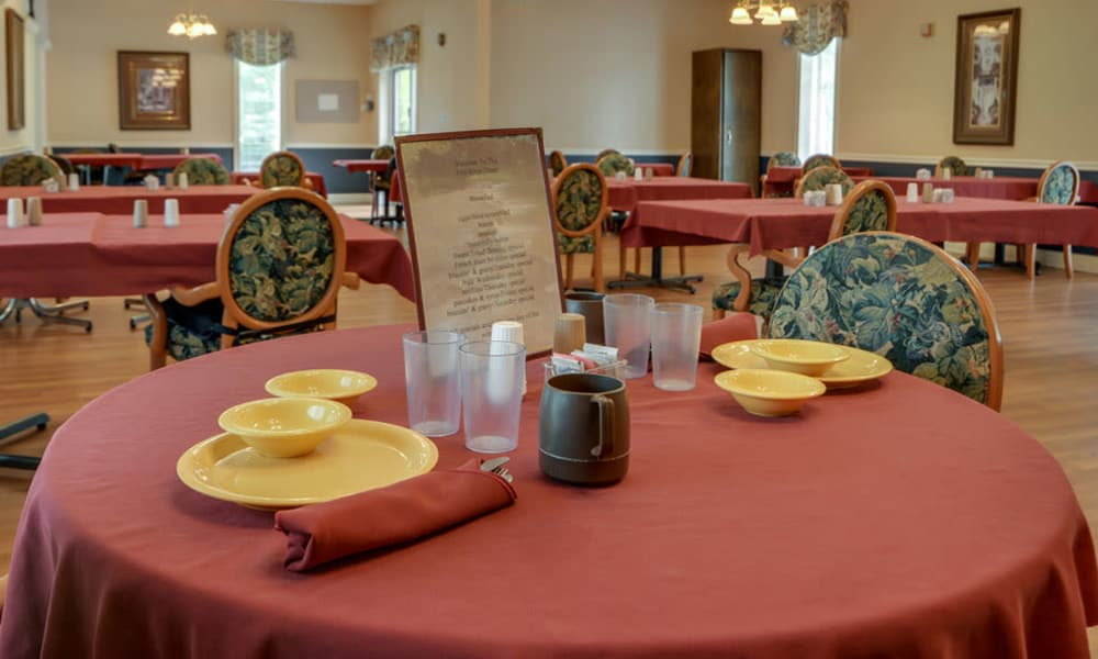 Well decorated dining room table at Birch Tree Place in Birch Tree, Missouri