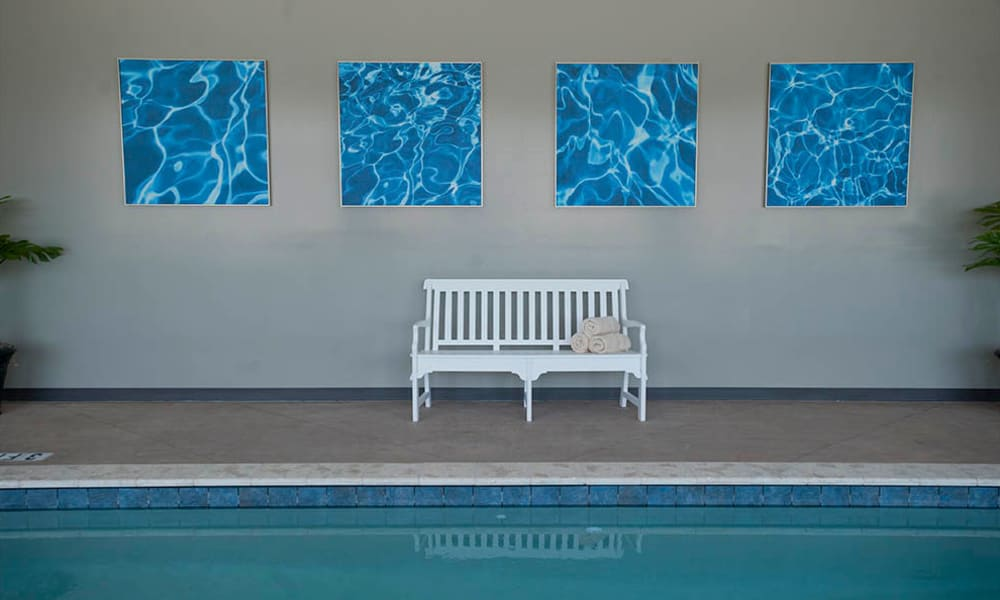 Poolside seating at The Neighborhoods by TigerPlace in Columbia, Missouri
