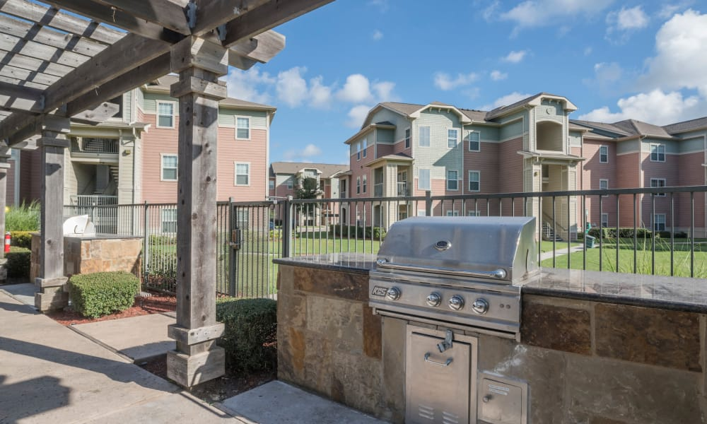Our unique Cambria Cove Apartments in Houston, Texas offers a barbeque area