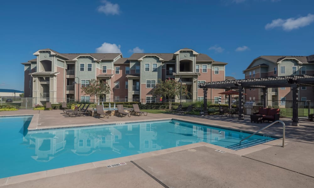 Cambria Cove Apartments offers a swimming pool in Houston, Texas