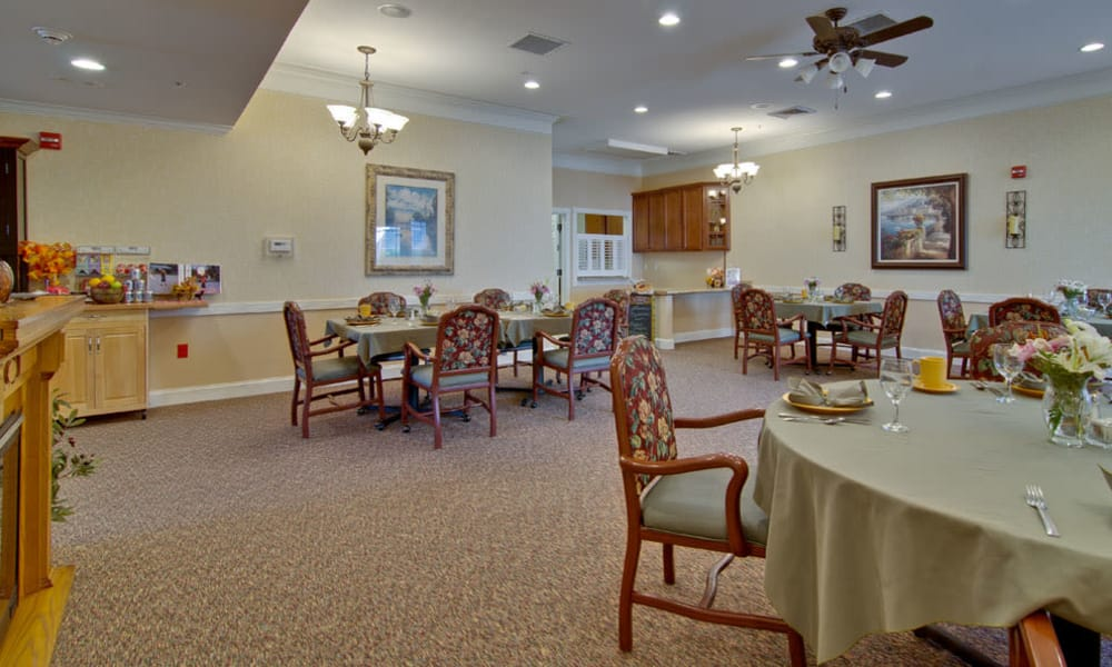 Dining area at the center of The Neighborhoods at Quail Creek in Springfield, Missouri