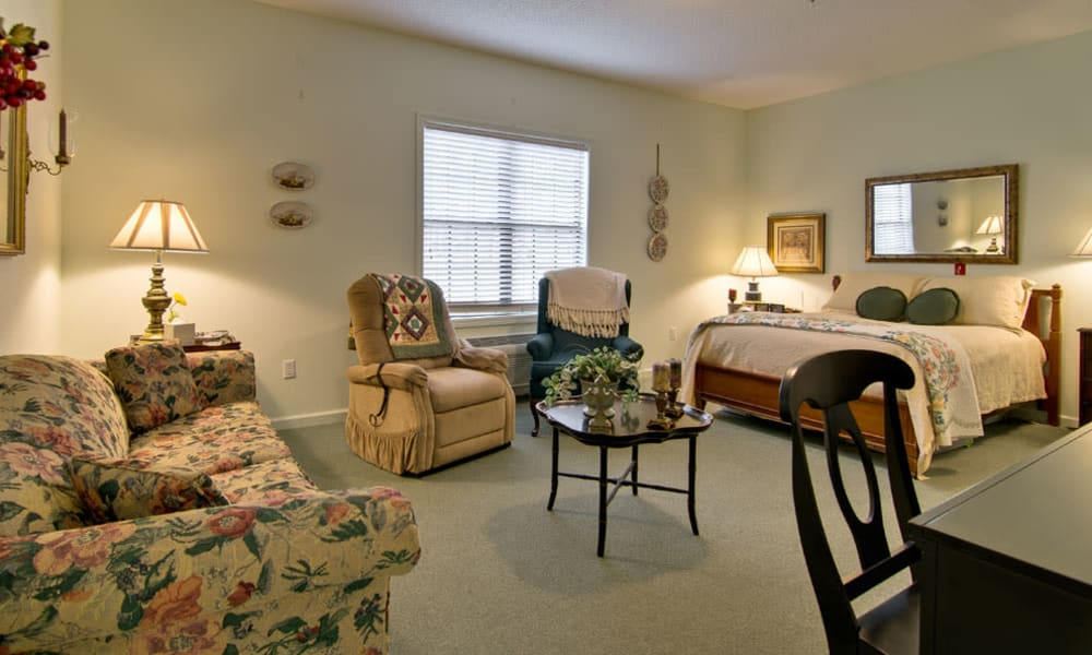 Single bedroom and living room at Montgomery Gardens in Starkville, Mississippi