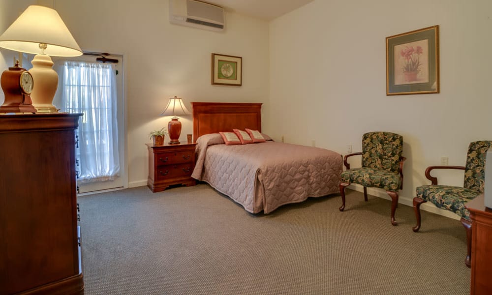 Assisted Living single bedroom at Springfield Heights in Springfield, Tennessee