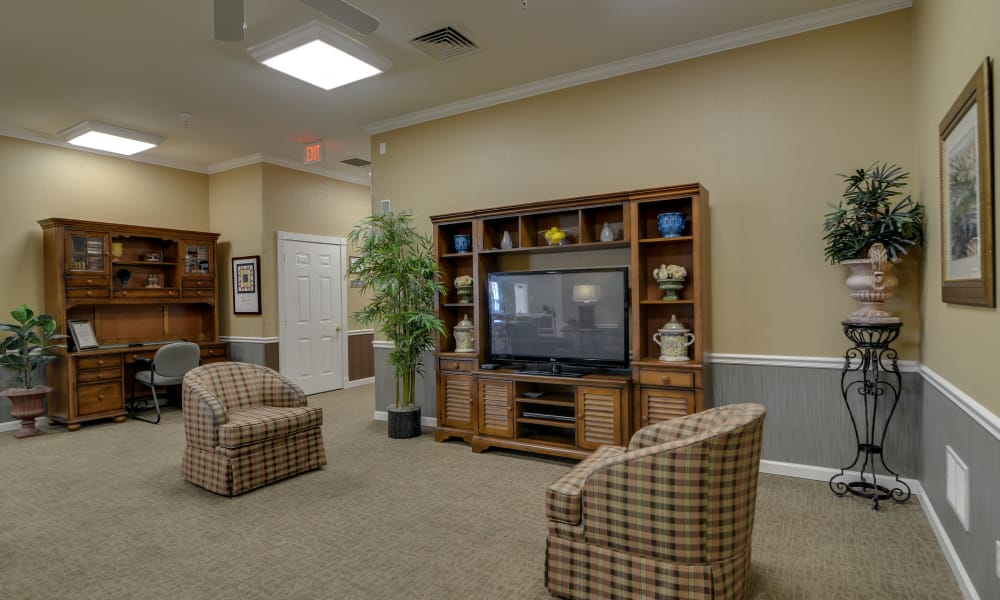 Entertainment room with comfortable seating at Springfield Heights in Springfield, Tennessee