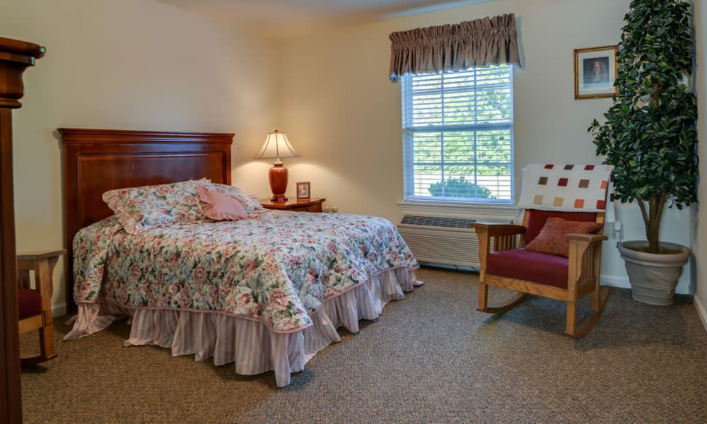 Single bedroom at Springfield Heights in Springfield, Tennessee