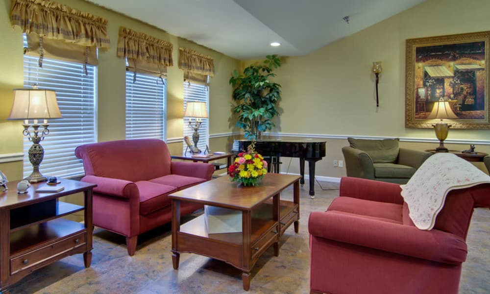 Seating in the lobby at Autumn Oaks in Manchester, Tennessee