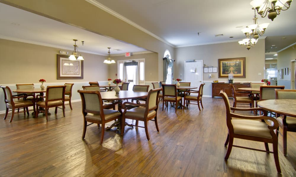 Dining area at the center of Parkway Cove in Covington, Tennessee