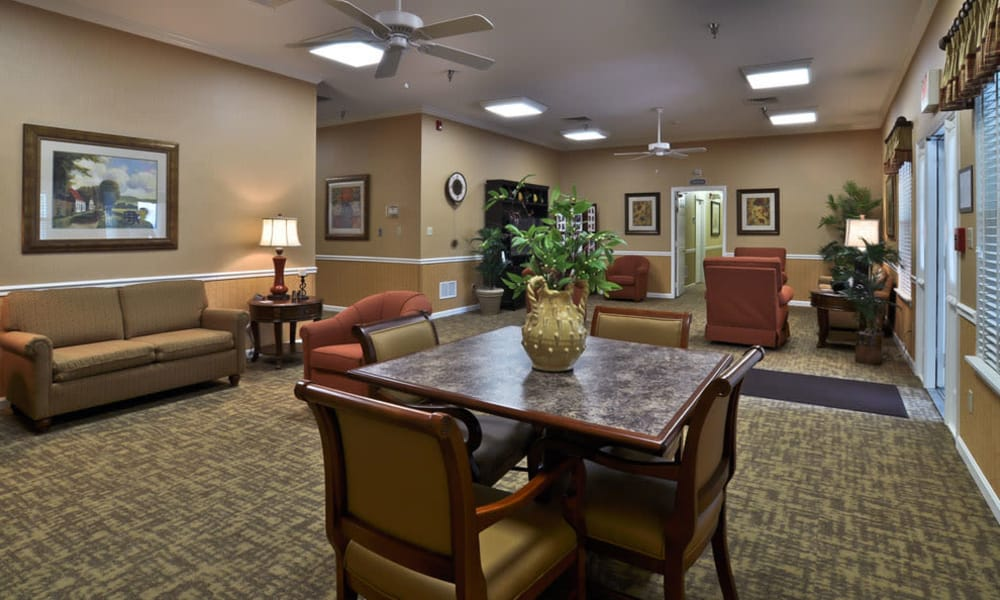 Community lounge with seating at Dogwood Bend in Clarksville, Tennessee