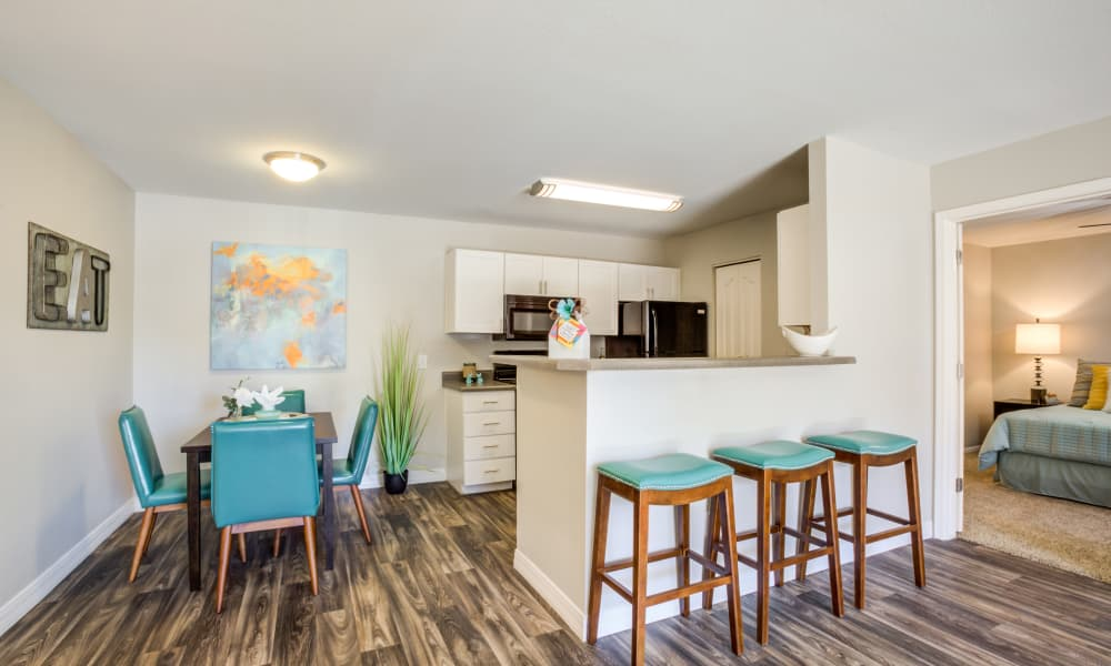 Dining Area At CentrePoint Apartments In Tucson AZ