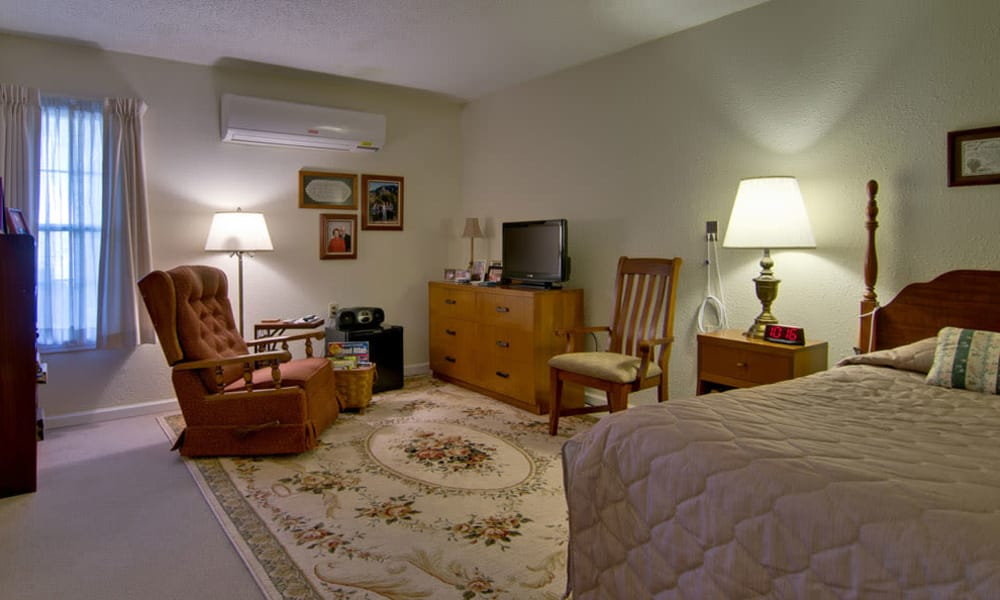 Spacious single bedroom at Churchill Terrace in Fulton, Missouri
