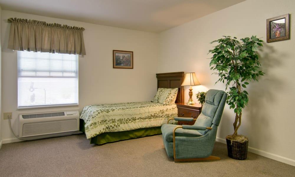 Spacious single bedroom at NorthRidge Place in Lebanon, Missouri