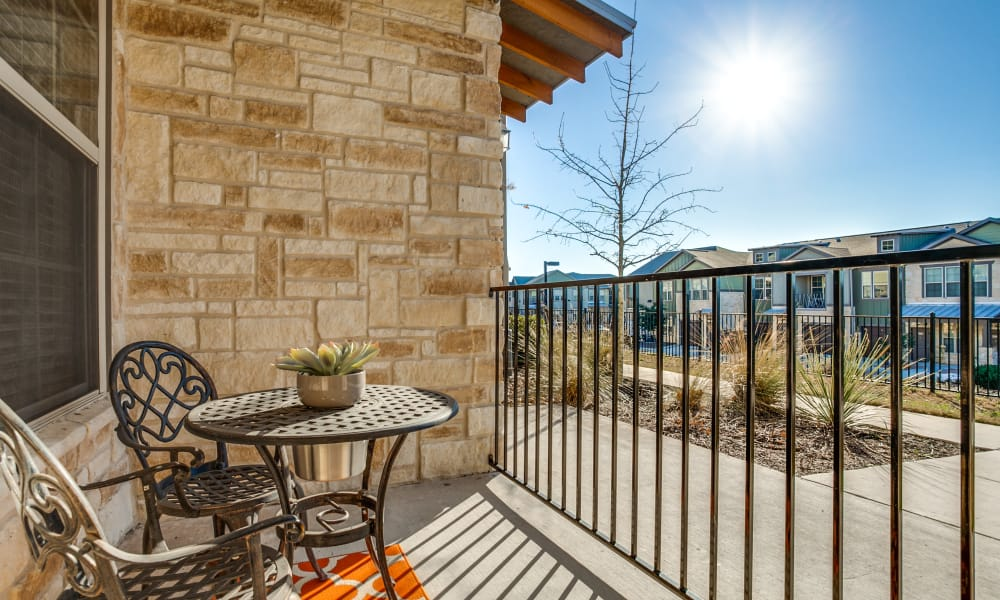 Overlook at Stone Oak Park offers newly updated apartments in San Antonio, Texas