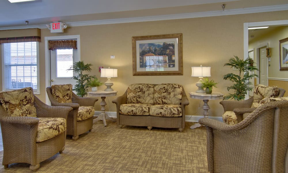 Lounge seating at Bradford Court in Nixa, Missouri