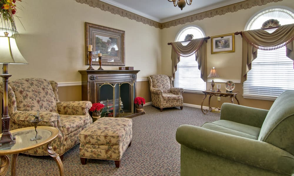 Fireside seating in the lounge at Eiffel Gardens in Paris, Tennessee