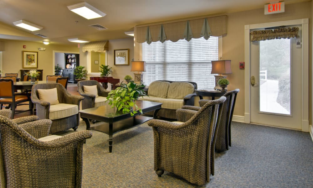 Community seating at Southern Oaks in Henderson, Tennessee