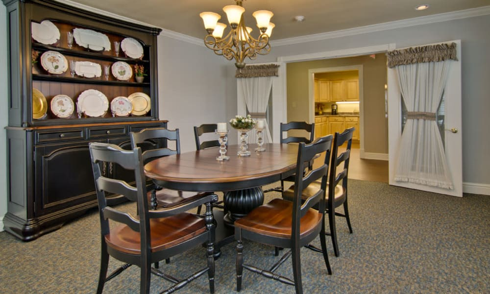 Family dining room at Southern Oaks in Henderson, Tennessee
