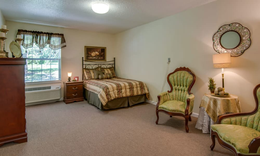 Spacious single bedroom at Riverview Terrace in McMinnville, Tennessee