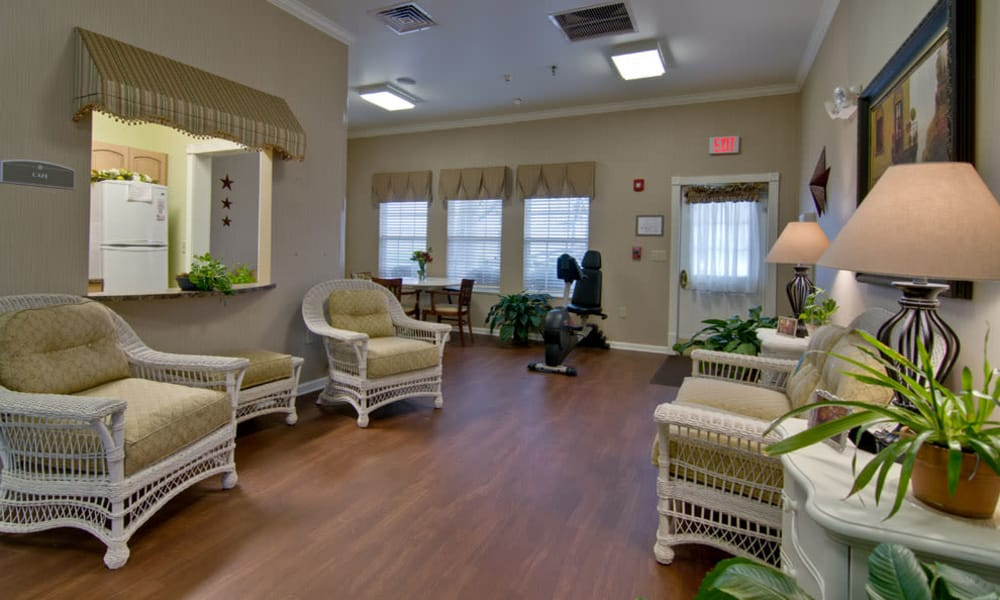 Seating around the community kitchen at Park View Meadows in Murfreesboro, TN