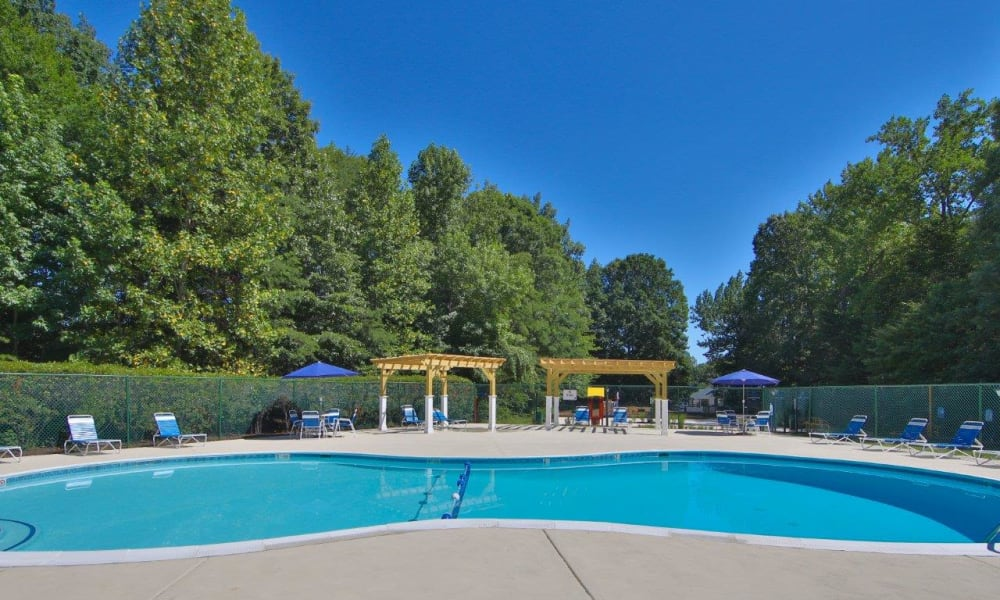 The Pointe at Stafford Apartment Homes offers a luxury swimming pool in Stafford, Virginia