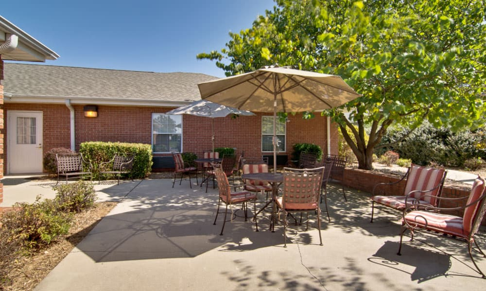 Outdoor patio with seating at Spring Ridge in Springfield, Missouri