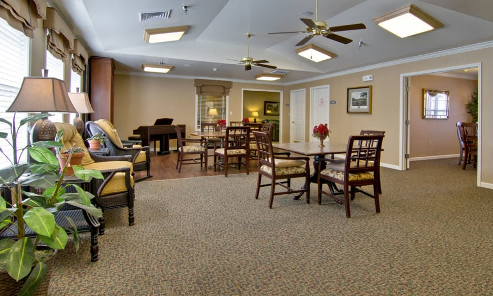 Dining area with a music corner of Spring Ridge in Springfield, Missouri