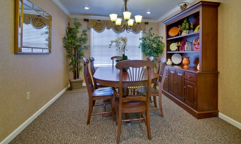 Family dining room at Spring Ridge in Springfield, Missouri