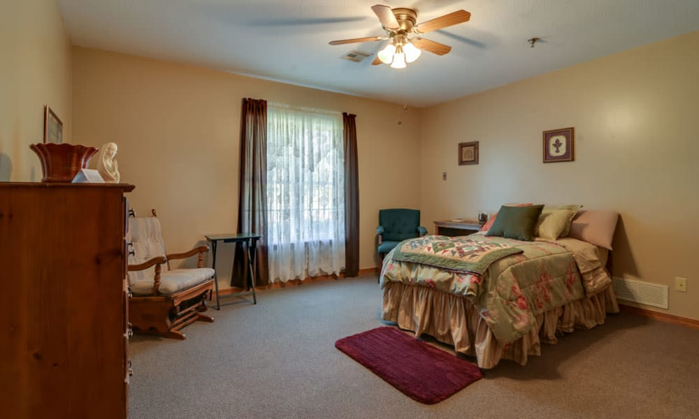 Spacious single bedroom at Oswego Home Place in Oswego, Kansas