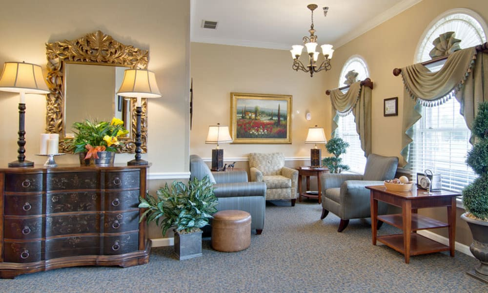 Cozy community lounge at Dunsford Court in Sullivan, Missouri