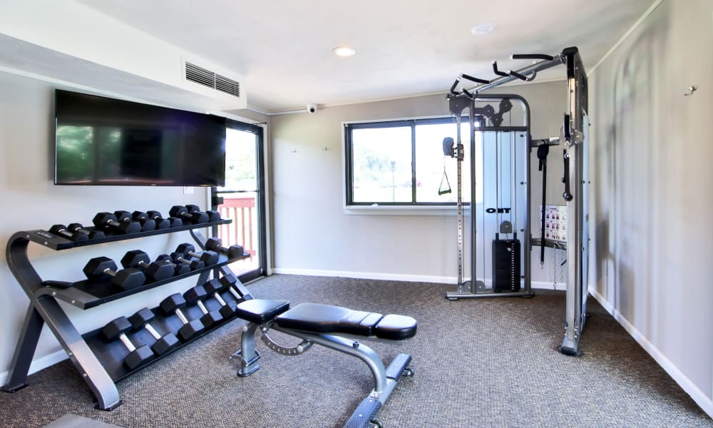 State-of-the-art fitness center at apartments in Glen Burnie, Maryland