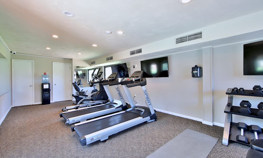 Spacious fitness center at Glen Ridge Apartment Homes in Glen Burnie, Maryland