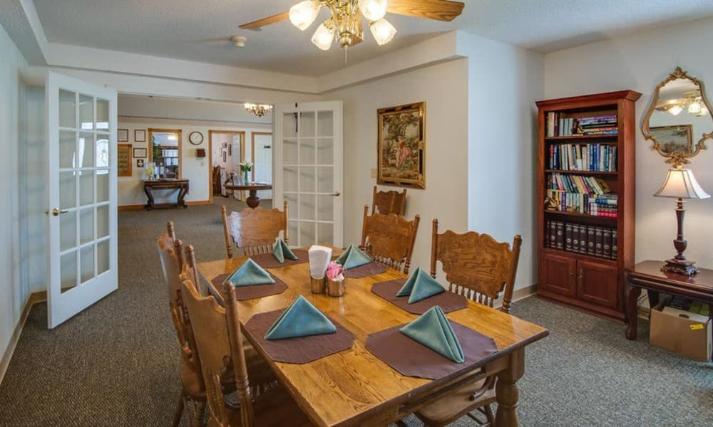 Family dining room at Victorian Place of Sullivan in Sullivan, Missouri