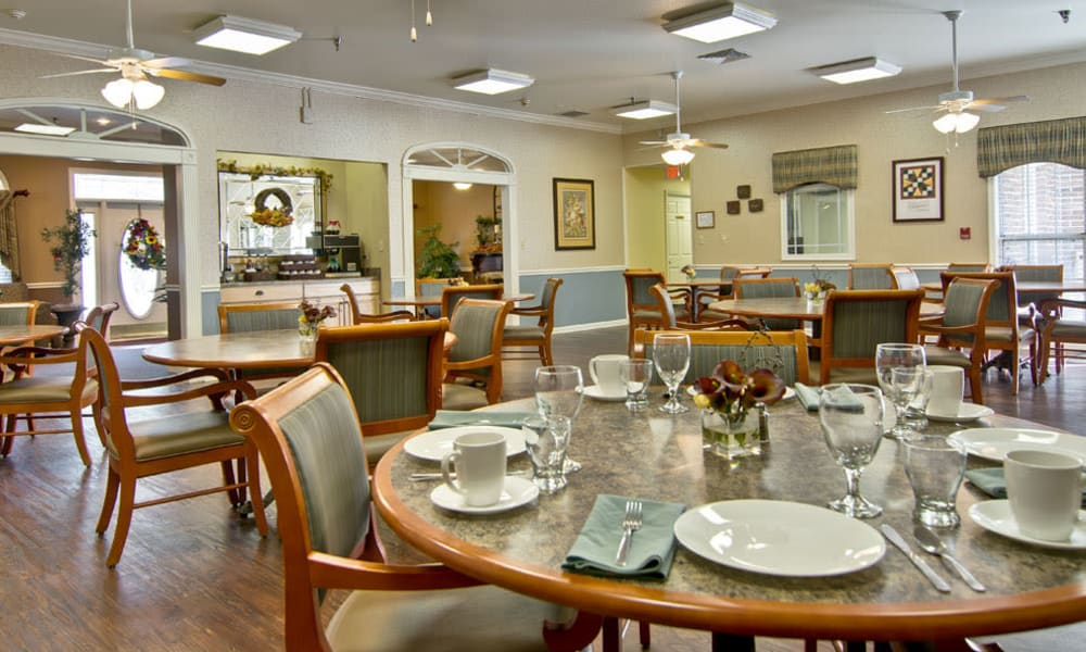 Dining area at the center of SpringHill in Neosho, Missouri