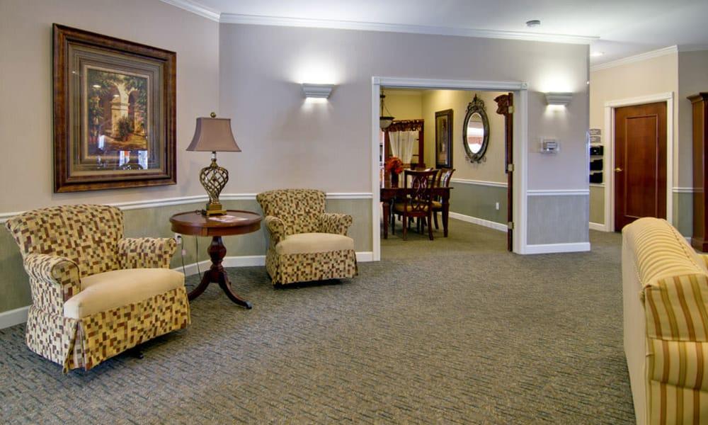 Community area with seating at Ashland Villa in Ashland, Missouri