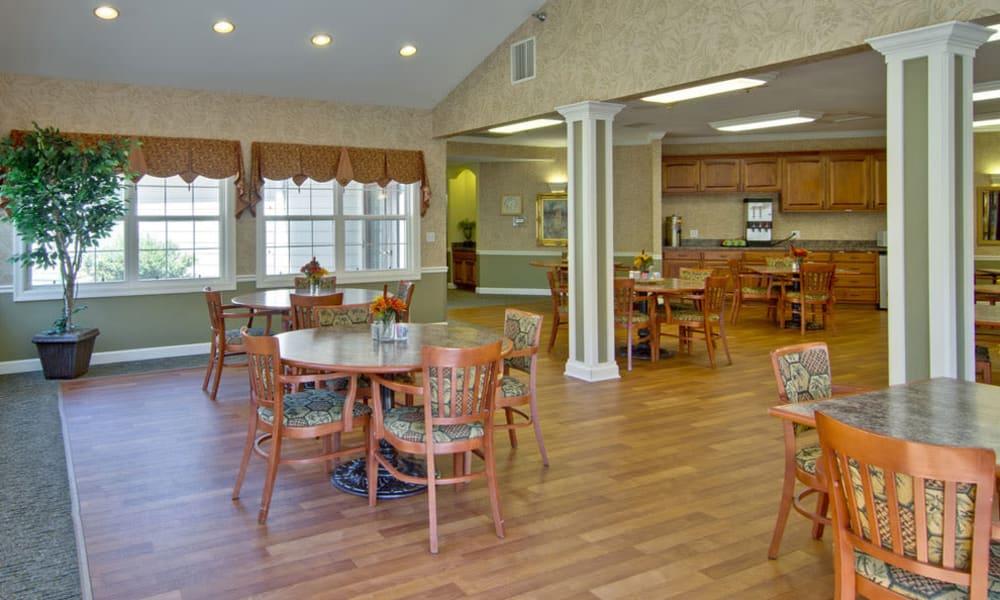Dining room and community kitchen at Ashland Villa in Ashland, MO