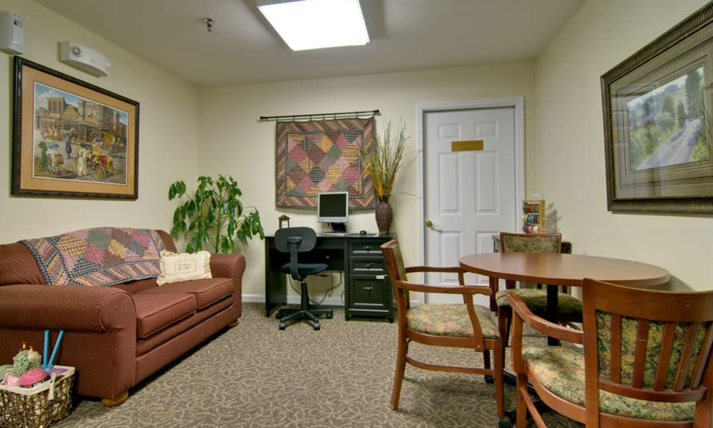 Community computer room at Dogwood Pointe in Milan, Tennessee