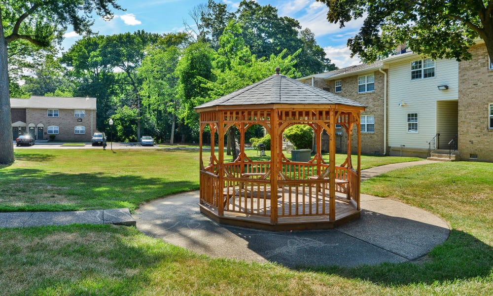 Beautiful apartments with a private patio in Moorestown, New Jersey