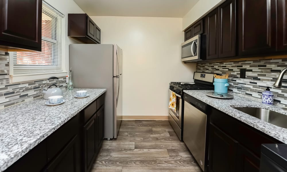 Enjoy apartments with a modern kitchen at Mt. Arlington Gardens Apartment Homes