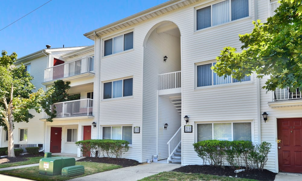 Spacious private balconies at Seagrass Cove Apartment Homes in Pleasantville, New Jersey