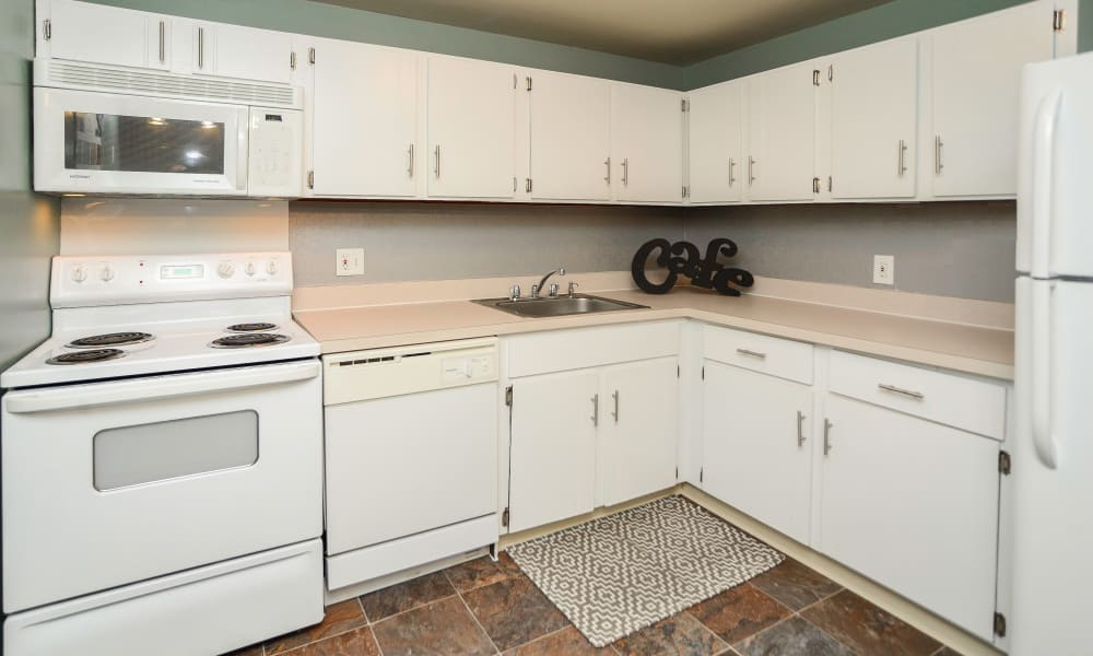 Greentree Village Townhomes offers a beautiful kitchen in Lebanon, Pennsylvania