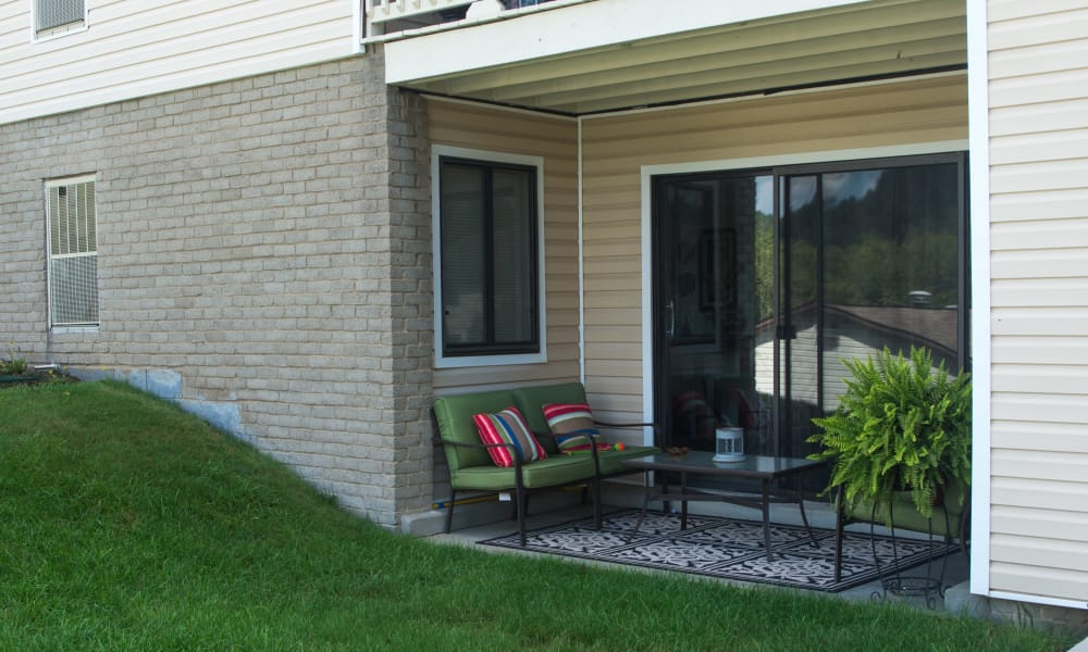 Squires Manor Apartment Homes in South Park, Pennsylvania offers Apartments with a Private Patio