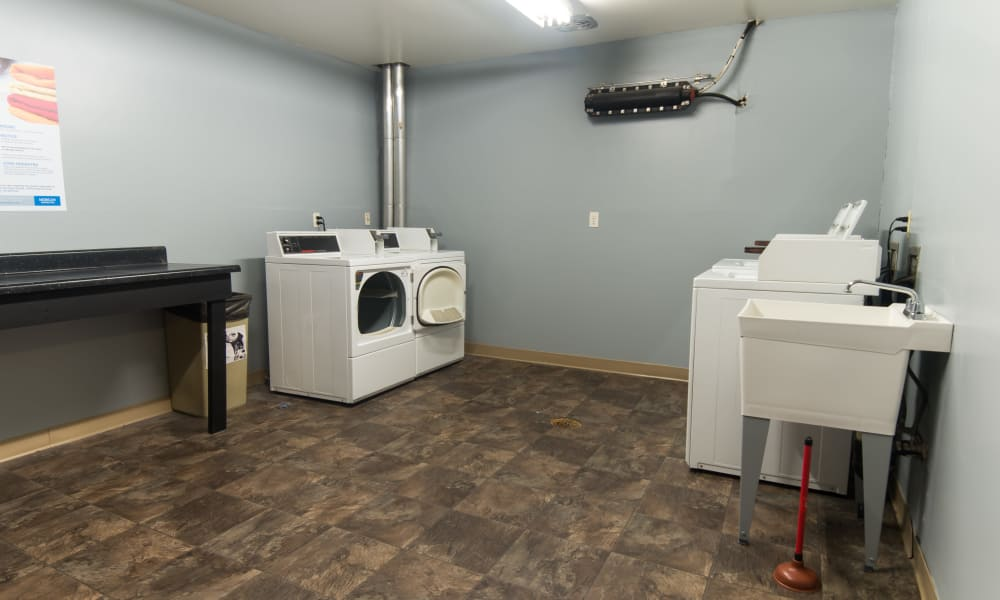 Laundry Facility at Squires Manor Apartment Homes in South Park, Pennsylvania