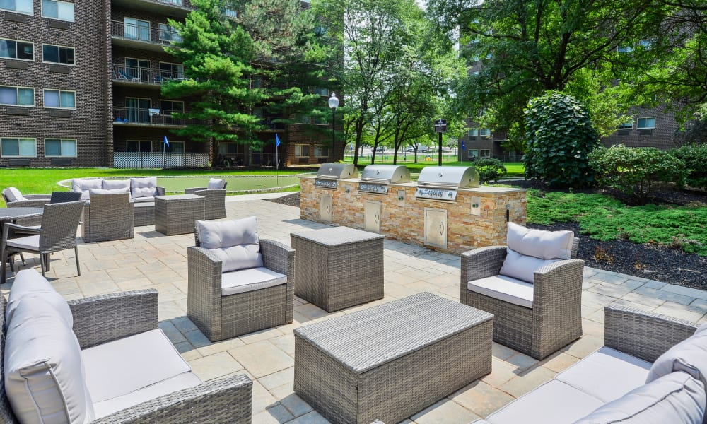 Beautiful outdoor patio at our apartments in East Norriton