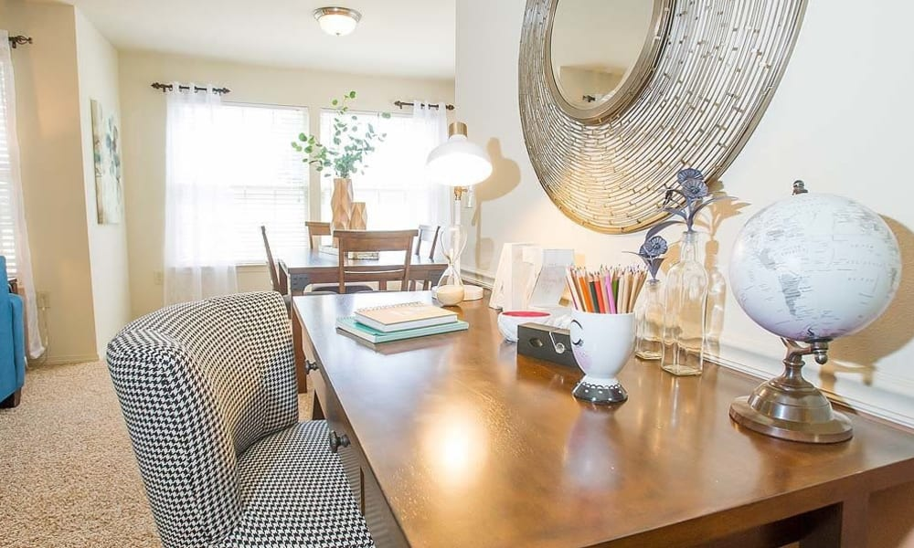 An apartment living room at Tuscany Hills in Tulsa, Oklahoma