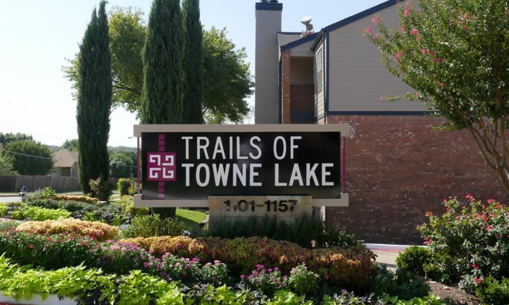 Entry sign at Trails of Towne Lake in Irving, Texas