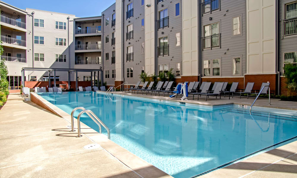Station 40 offers a luxury swimming pool in Nashville, Tennessee