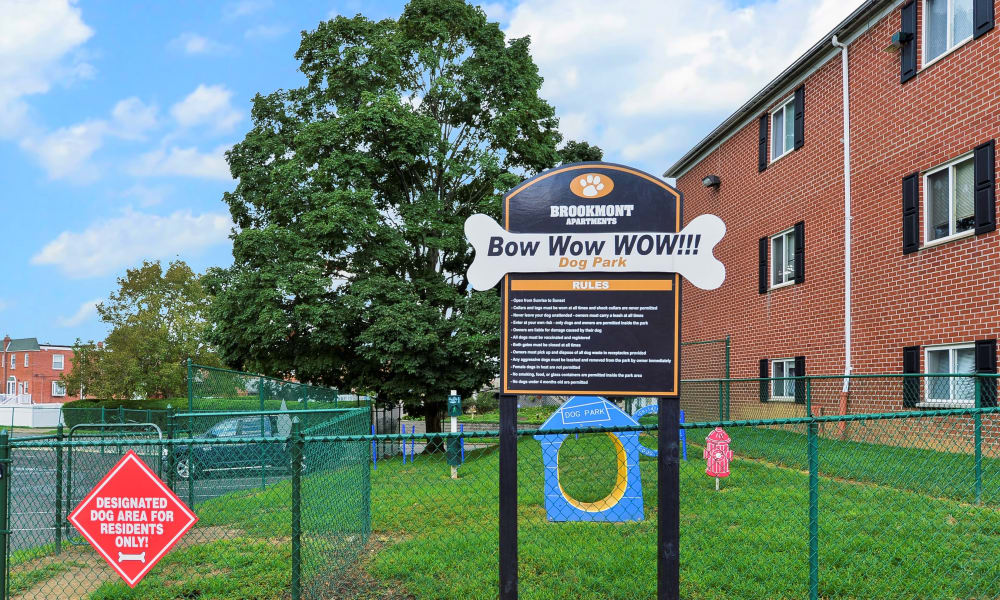 Enjoy apartments with a dogpark at Brookmont Apartment Homes